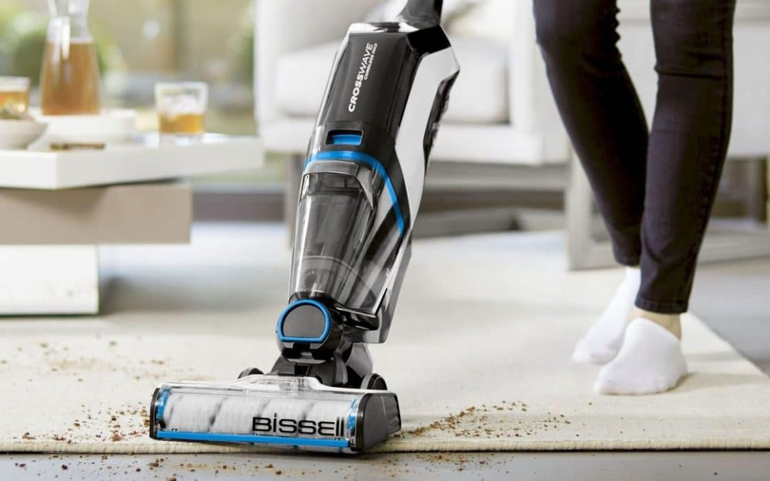Test, avis Bissell CrossWave Pet Pro : l'aspirateur balai 3 en 1 qui aspire, nettoie et sèche