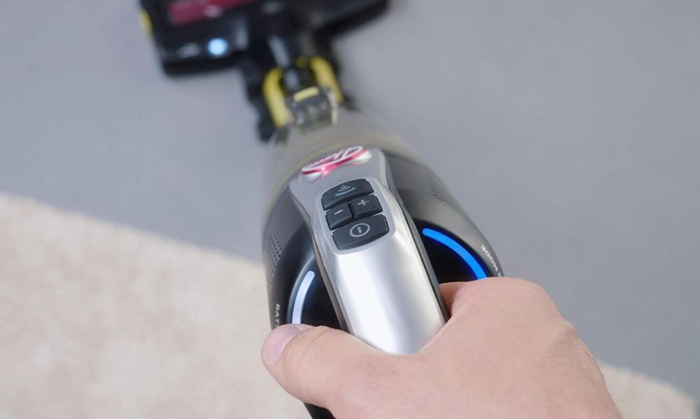 Test, avis Hoover H-Free 500 HF522NPW : l'aspirateur balai connecté au WIFI